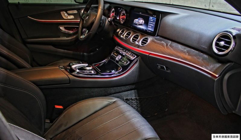 (已收訂)2017 BENZ E300 AMG Line P2 black full