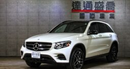 2019 BENZ GLC300  AMG night package