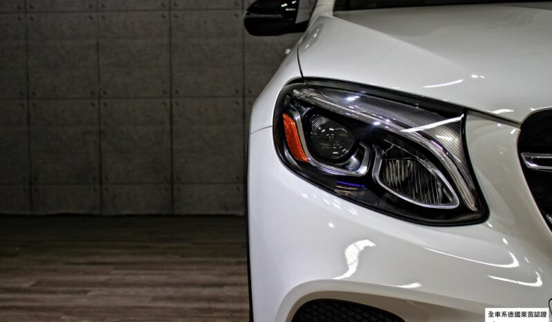 2019 BENZ GLC300  AMG night package full