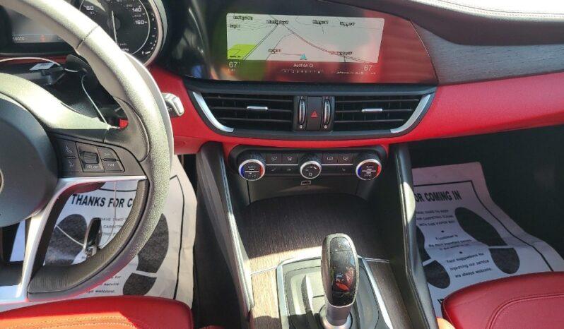 2017 AlfaRomeo  Giulia Q2 full