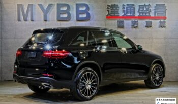 2017 BENZ GLC300  AMG night package full