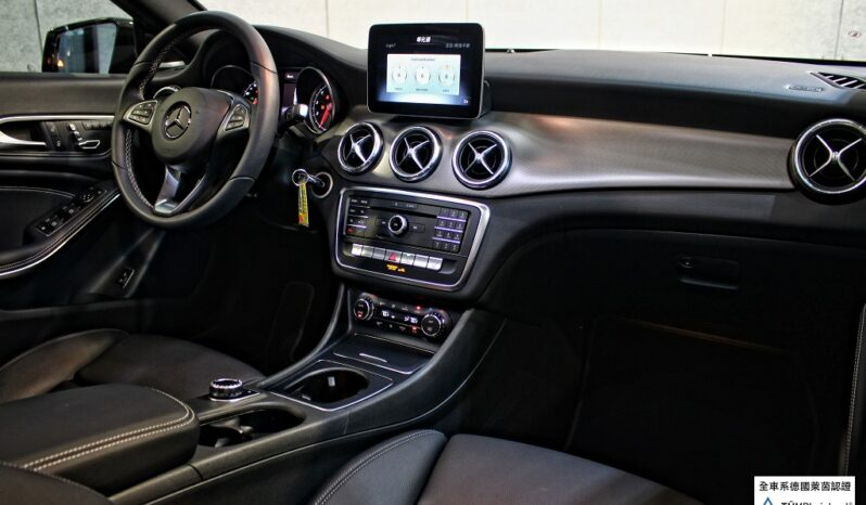 2018 BENZ CLA250 AMG night package full